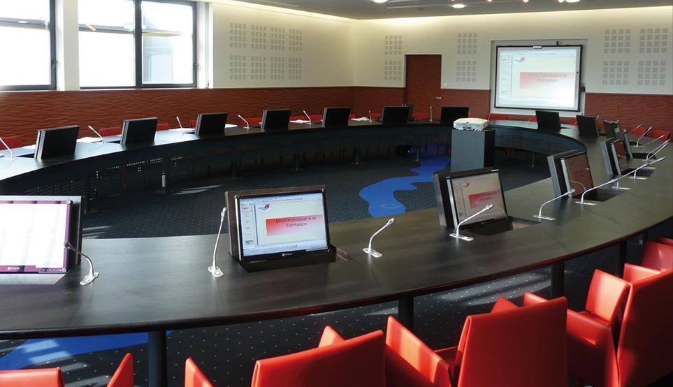 Salle de conférences - système audiovisuel